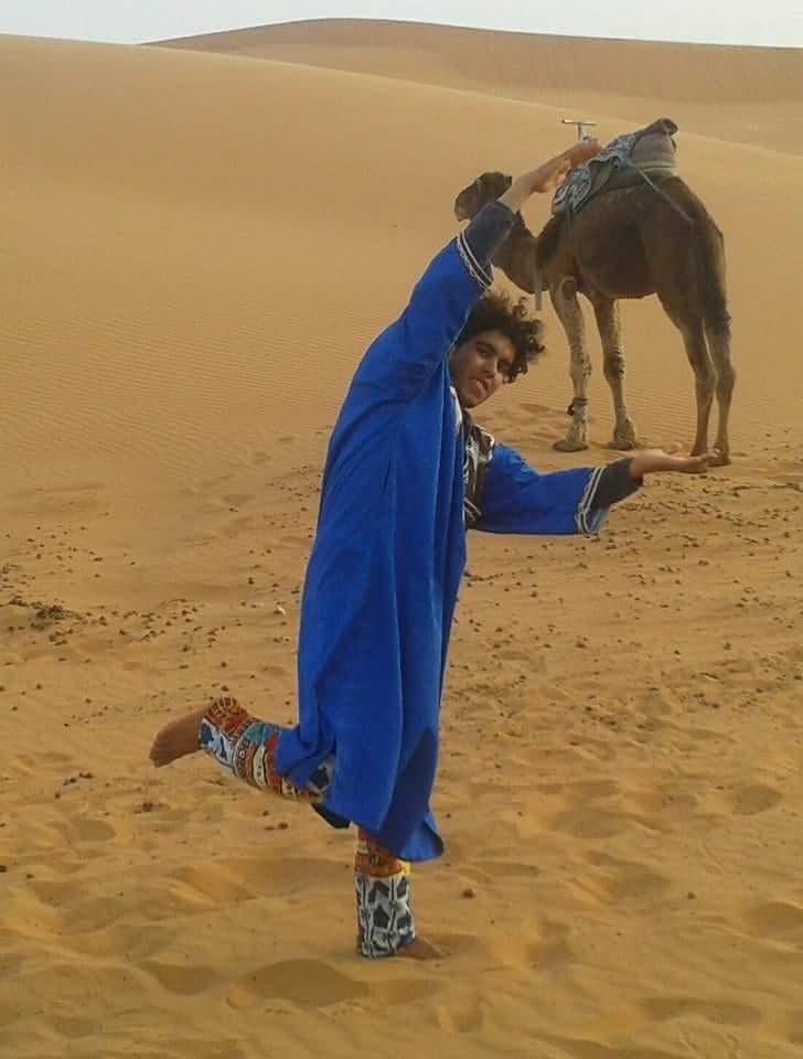 mohamed e il cammello nel deserto